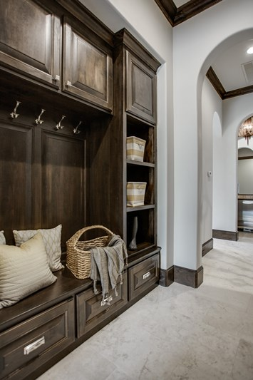 Custom_Home_Vaquero_1407-post-oak_MUD