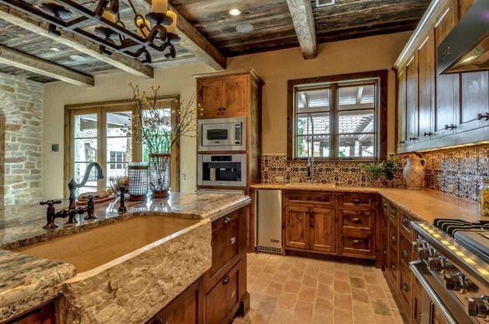 Custom_Home_Kitchen_Vaquero_PO_1100-51