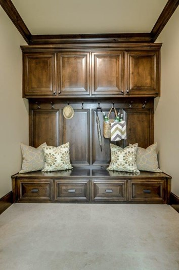 Custom_Home_MudRoom_Vaquero_CE_100-62